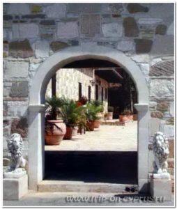 http://villa-u-mare.ru/apartamenty/svyataya-marina-na-kipre